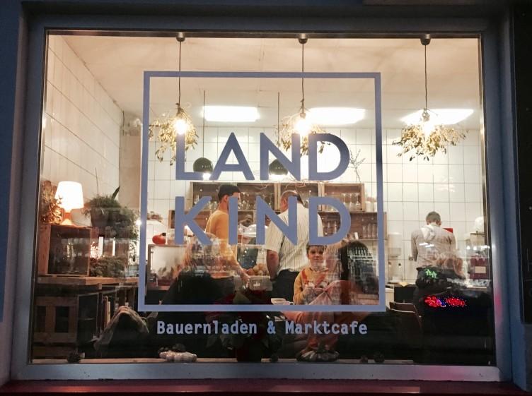 (c)LANDKIND_Auslage_01