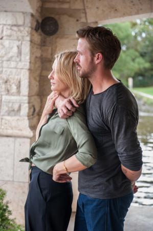 BV (Ryan Gosling) und Amanda (Cate Blanchett) auf der Suche nach dem Glück.